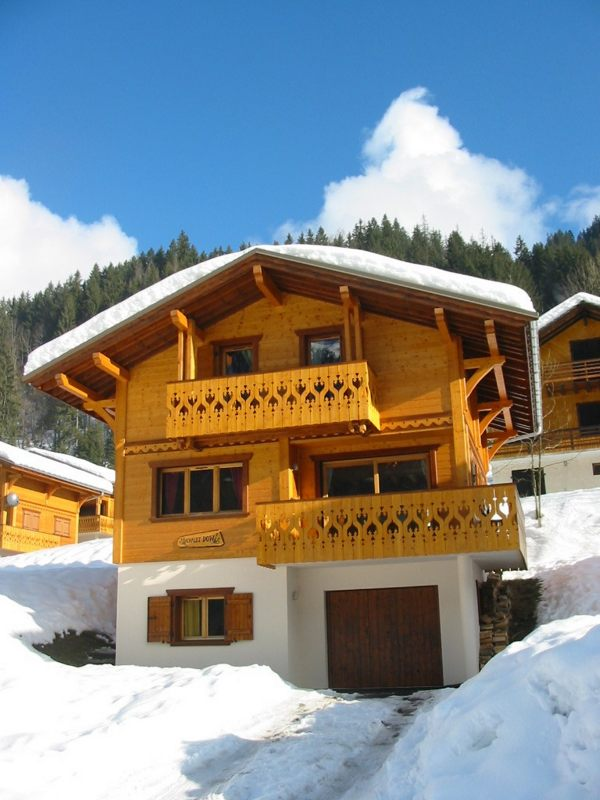 Chalet dow ski chalet in chatel portes du soleil france for French chalet house plans
